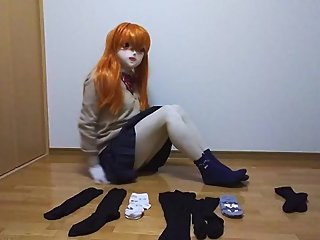 Kigurumi Schoolgirl changes socks