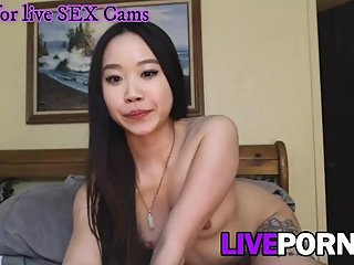 Good looking natural asian showing pussy and chatting on english!