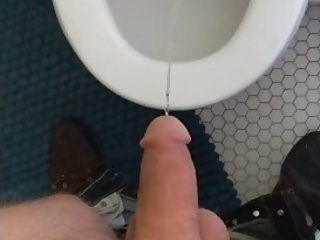 Anyone like peeing videos? Lemme know in the comments :)