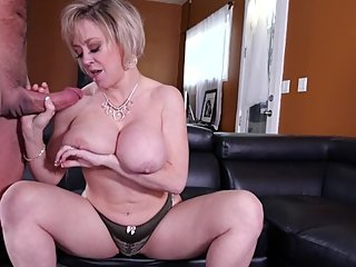 Dee Williams sucks all my cum out