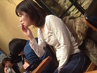 Japanese Candid Smoking